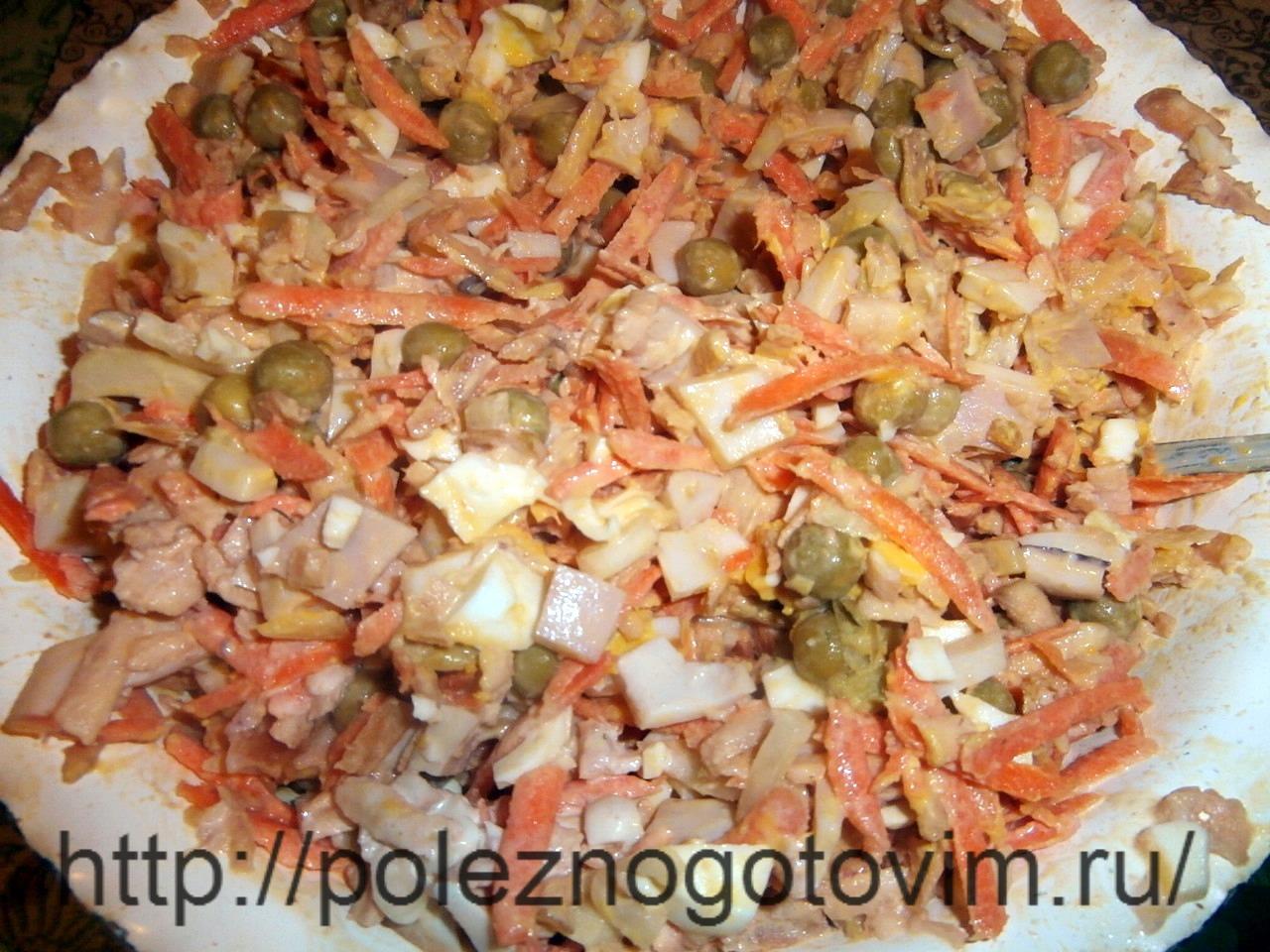 Рецепты салатов на праздничный стол с кальмарами