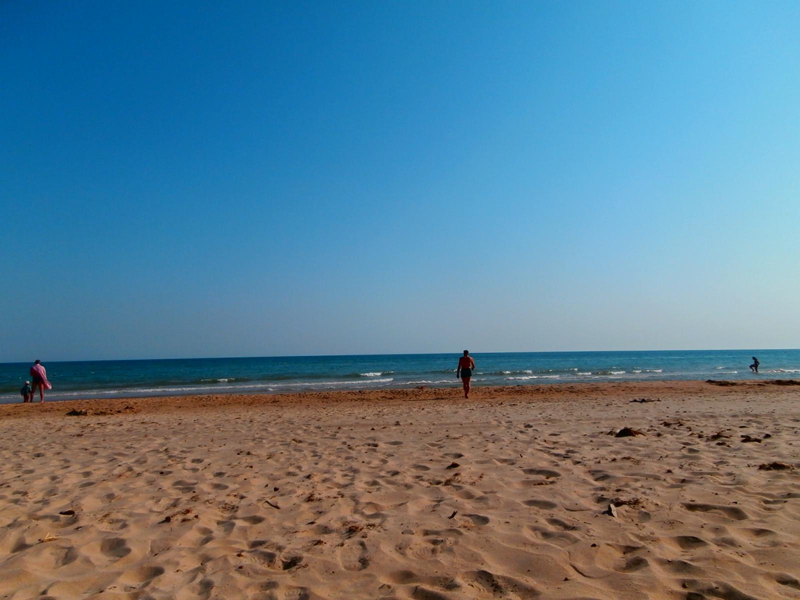 Пляж рядом с озером Соленое