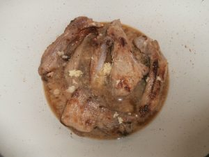 Тушеные свиные ребрышки