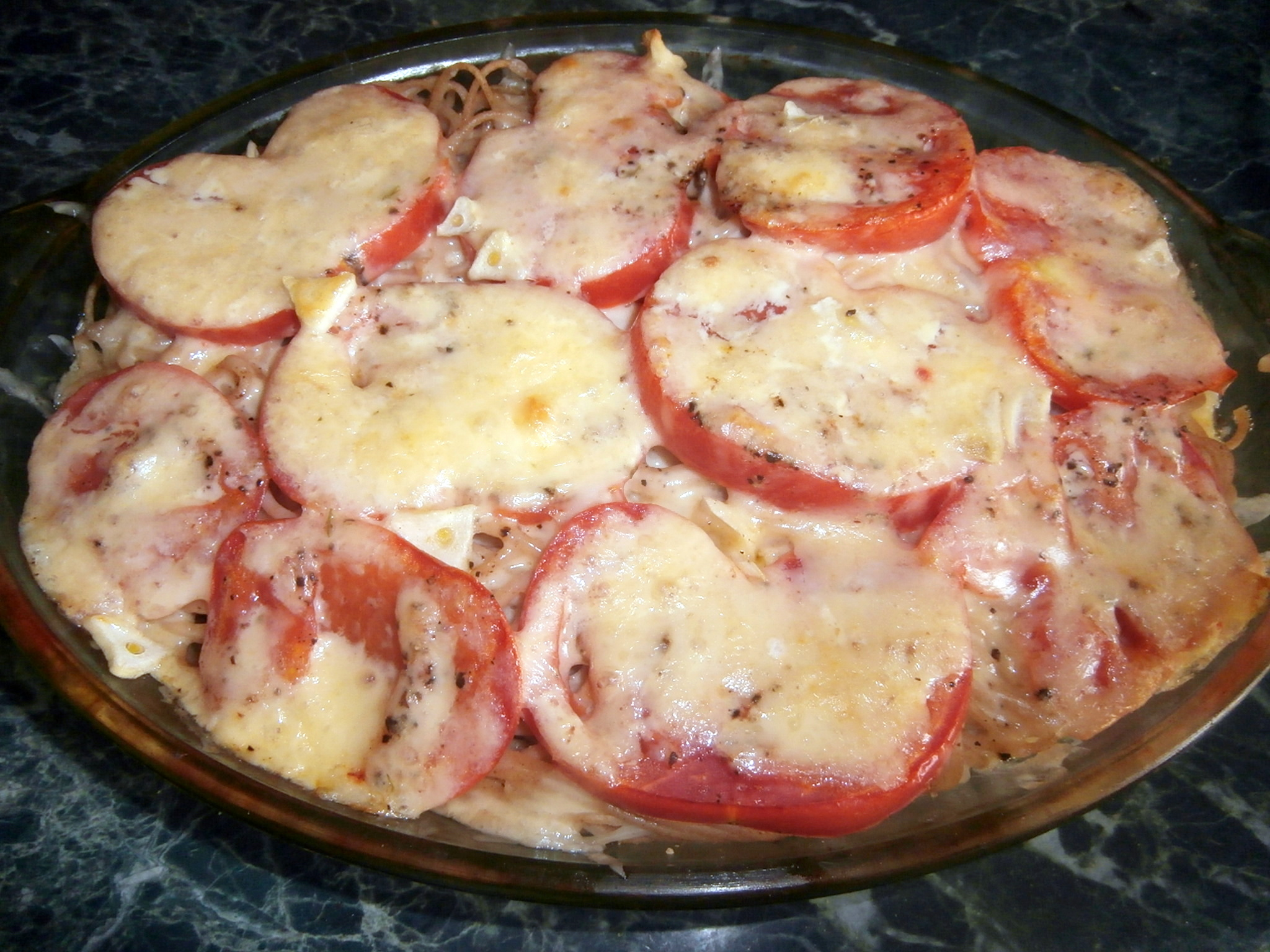 Картошка в духовке с мясом помидорами и сыром в духовке рецепт