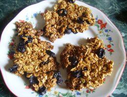 Миниатюра к статье Домашние мюсли: полезный завтрак и хрустящее печенье одновременно