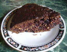 Миниатюра к статье Вкусный шоколадный пирог с ягодой и геркулесом
