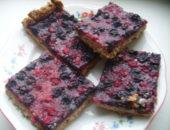 Миниатюра к статье Простой пирог с ягодами