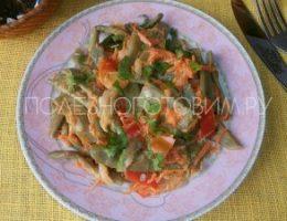 Миниатюра к статье Вкусное блюдо из стручковой фасоли с овощами в сметане