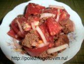 Миниатюра к статье Быстрый салат с помидорами и хлебом