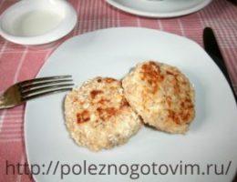 Миниатюра к статье Диетические сырники с кокосовой стружкой и овсянкой