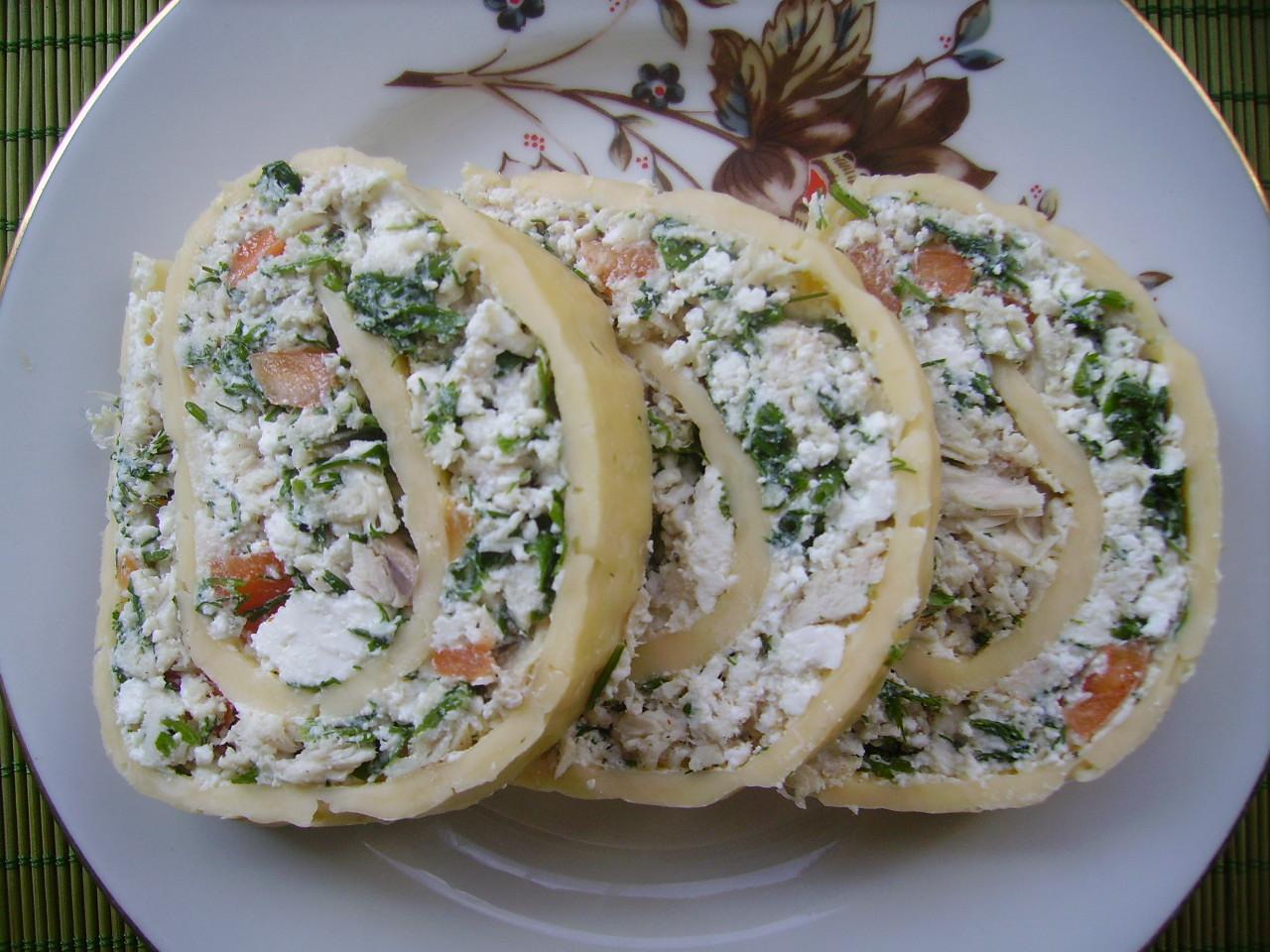 Миниатюра к статье Сырный рулет – вкусная закуска