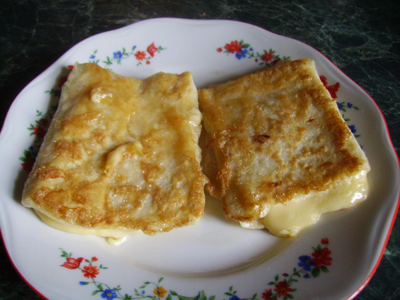 Миниатюра к статье Лаваш с сыром – удобный рецепт на скорую руку