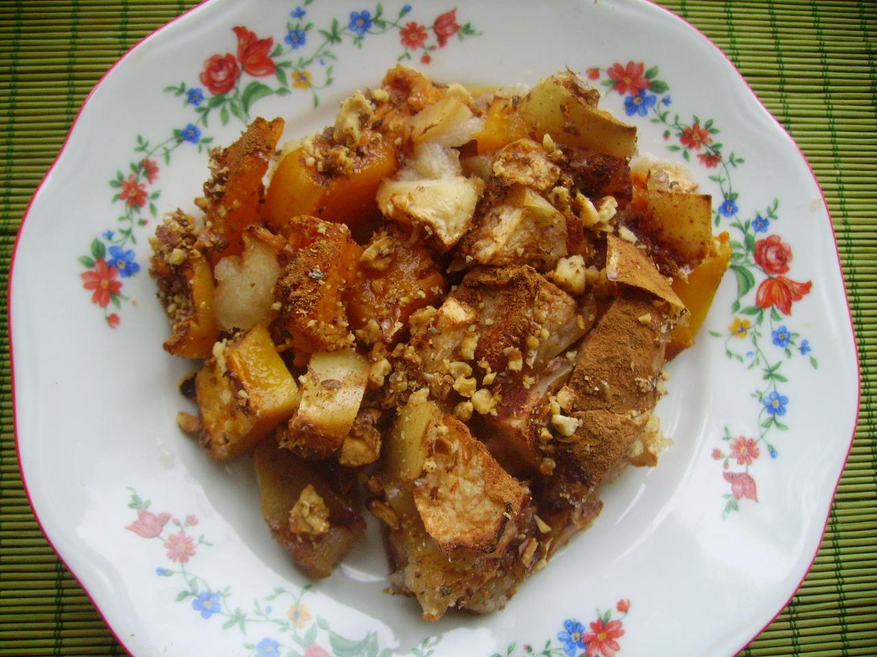 Миниатюра к статье Очень простой десерт: запеченные яблоки с тыквой