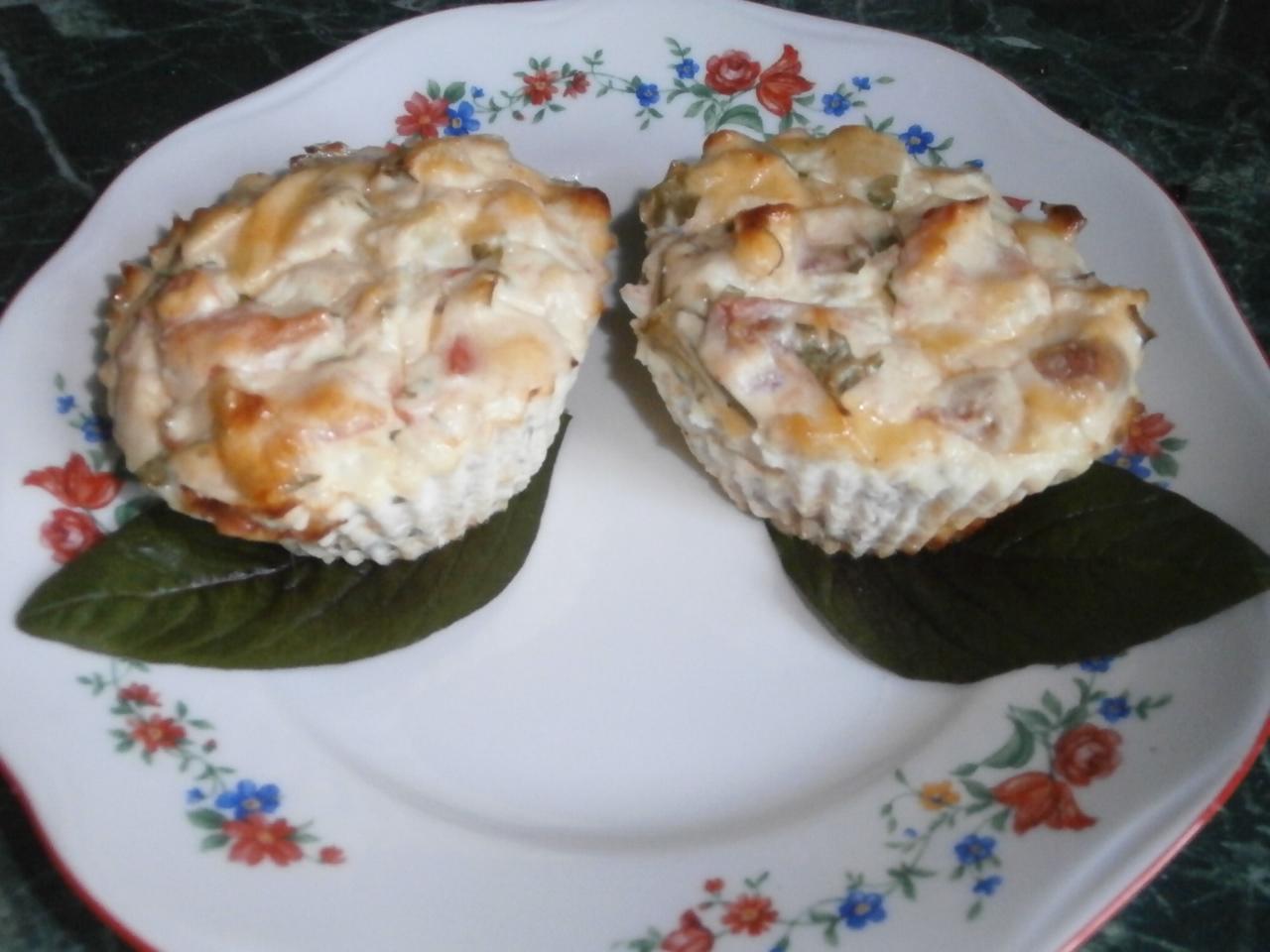 Миниатюра к статье Диетические кексы из творога с сыром и овощами
