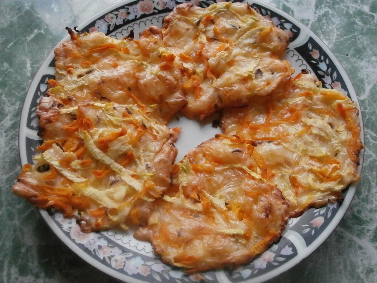 Миниатюра к статье Домашние чипсы из овощей и сыра
