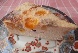 Миниатюра к статье Легкий пирог из творога с фруктами