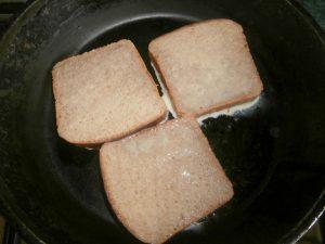 гренки из черного хлеба