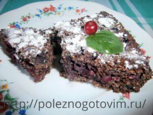 Миниатюра к статье Овсяно – шоколадный пирог с ягодой