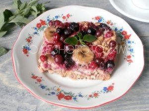 Миниатюра к статье ПП запеканка с ягодами и хлопьями: вкуснейший завтрак и десерт