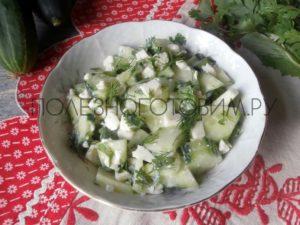 Миниатюра к статье Оригинальный летний салат со свежим огурцом: можно даже на ночь