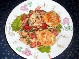 Миниатюра к статье Фасолевый салат с мини-сырниками. Удивлены? :)