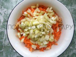 салат с морковью и яблоком